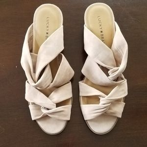 NWOT Lucky Brand Rhilley wedges
